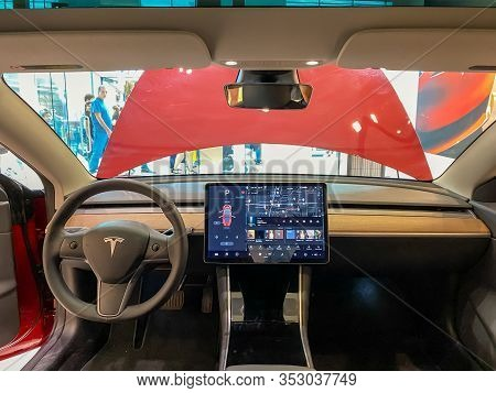 Orlando, Fl/usa-2/17/20:  The Front Seat Of A Tesla Model 3 With A 15 Inch Touchscreen At A Tesla Re