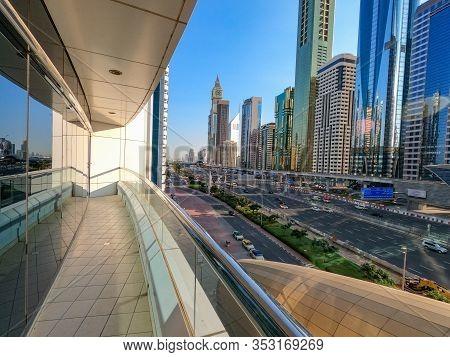 Busy Sheikh Zayed Hwy In Dubai Uae.
