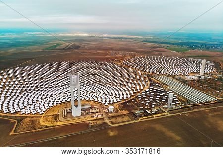 Image Drone Point Of View Gemasolar Concentrated Solar Power Plant Csp Circle Shape, System Generate