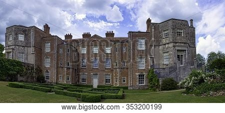 Mottisfont, Hampshire, Uk - June 9: Historical Priory And Country Estate On 09 June 2019 In Mottisfo