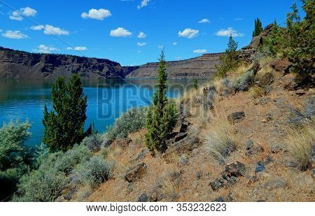 By The Desert Waters - A View Looking North Near The Marina At Lake Billy Chinook - The Cove Palisad