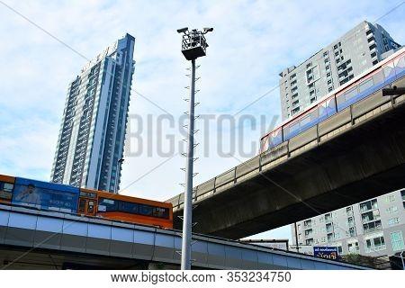 Bangkok, Th - Dec. 14: Ratchathewi Junction Buildings And Flyover Bridges On December 14, 2016 In Ba