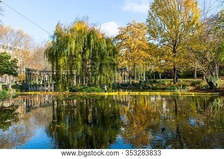 Paris - Parc Monceau.