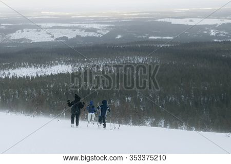 Winter Activity And Snow Shoe Tour - Steep Descent  From Fjulufjället , Central Sveden During A  Sno