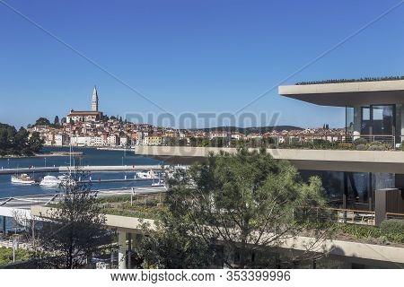 Rovinj, Croatia - Februar 28, 2020 - Modern And Luxury Grand Park Hotel And Aci Marina, In Backgroun