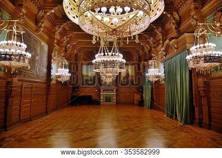 Saint Petersburg, Russia - January 29, 2020: Oak Hall Of The Vladimir Palace Interiors. Palace Of Th