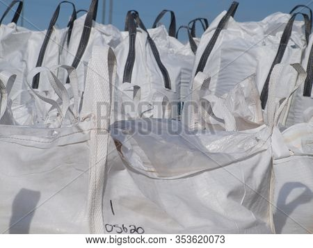 Canvas bags with recycled tire powder in bags