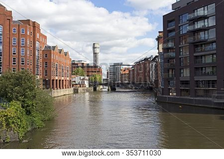 Bristol, Uk - May 26, 2015: The Floating Harbour With A Disused Shot Tower Visible In The Distance.