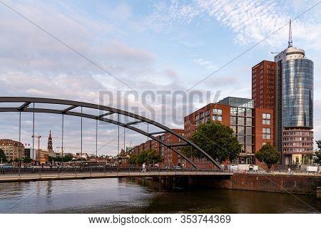 Hamburg, Germany - August 4, 2019: View Of The Uberseebrucke Bridge Over Niederhafen Canal In The Ha