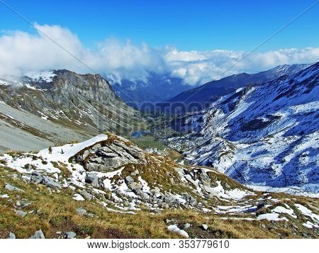 The Fläscher Tal Radaufis Alpine Valley (flascher Or Flaescher Tal Radaufis) And Oberst See, Mittler