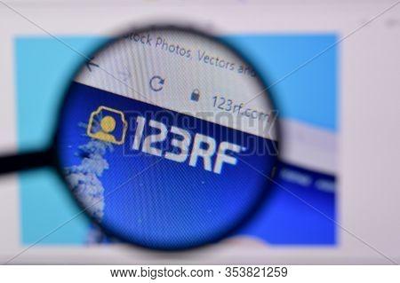 Homepage Of 123rf Website On The Display Of Pc, Url - 123rf.com.