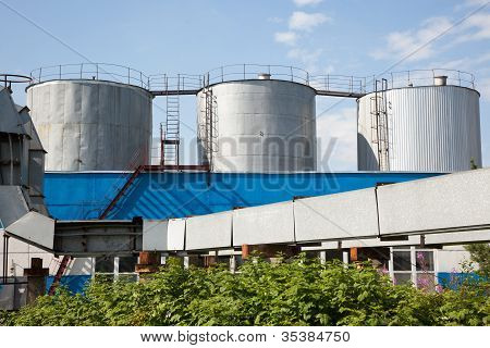 3 Fuel Tanks