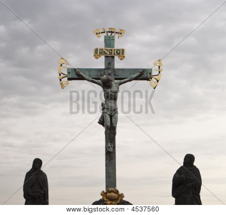 Statue Of Jesus On Cross