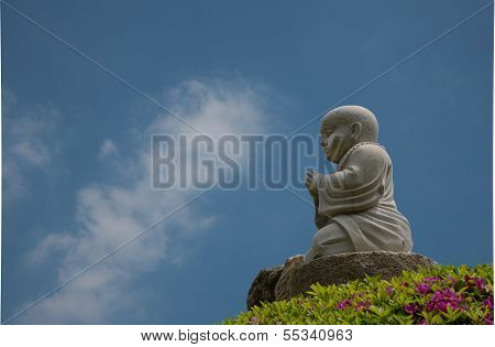 Statute of the little Buddha