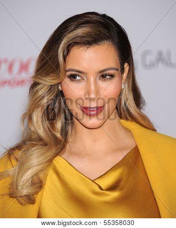 LOS ANGELES - DEC11:  Kim Kardashian arrive to Women in Entertainment Breakfast 2013  on December 11, 2013 in Hollywood, CA