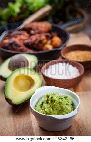 Guacamole with avocado and grilled chicken