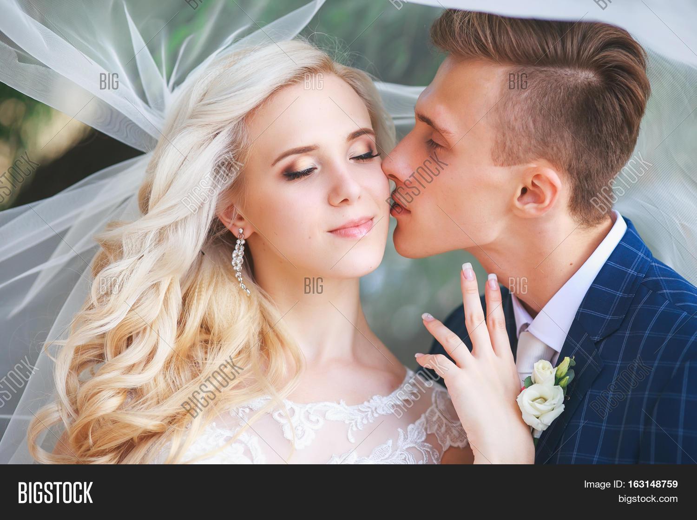 ef148b3ddfe Wedding .Bride and Groom