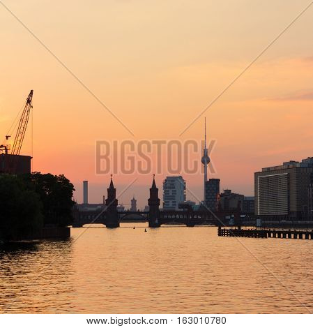 Beerlin Skyline, River Spree , Sunset Sky