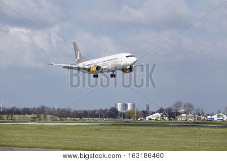 Amsterdam Airport Schiphol - Jettime Boeing 737 Lands