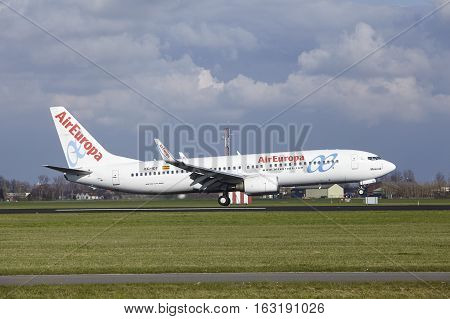 Amsterdam Airport Schiphol - Aireuropa Boeing 737 Lands