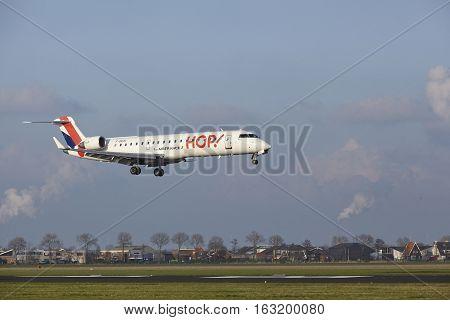 Amsterdam Airport Schiphol - Hop Bombardier Crj-701 Lands