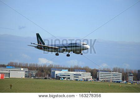 Amsterdam The Netherlands april 11 2015: EI-DSD Alitalia Airbus A320-200 approaching runway 09-27 Buitenveldert