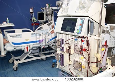 Hemodialysis hemodiafiltration at ICU (intensive care unit) replacement of renal function life threatening patient