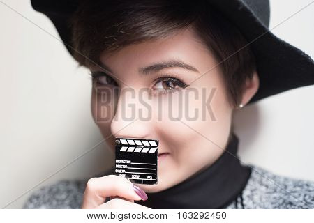 Symbol Of Female Movie, Look At The Camera