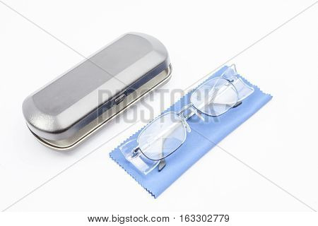 an cover for work safety glasses and a cleaning cloth