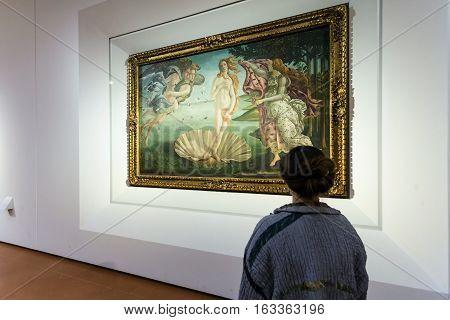 Visitor In Botticelli Room Of Uffizi Gallery