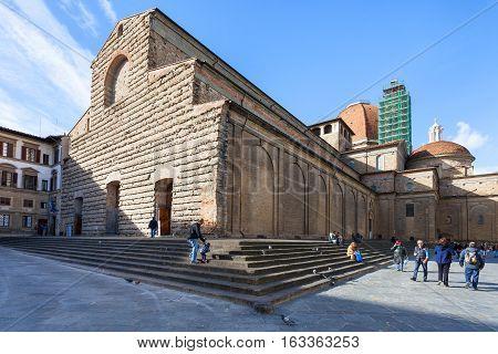 Tourists On Steps Of Basilica Di San Lorenzo
