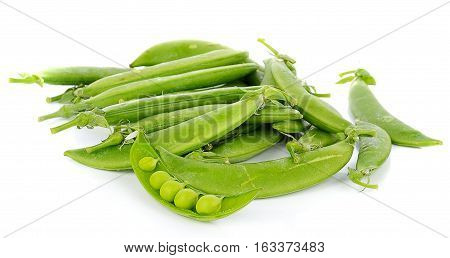 Green peas isolated on the white vegetarian, ripe, yield, natura