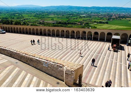 5 may 2014-assisi-italy-the basilica of Assisi in italy