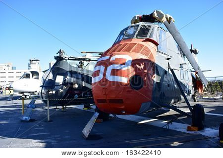 San Diego, California - Usa - Dec 04,2016 - Utilitly Helicopters Midway Museum
