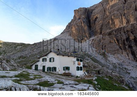 Alpine Hut Rifugio Carducci And Sexten Dolomites Mountains In South Tyrol, Italy