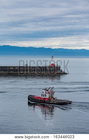 Lighthouse on the seawall in Victoria British Columbia