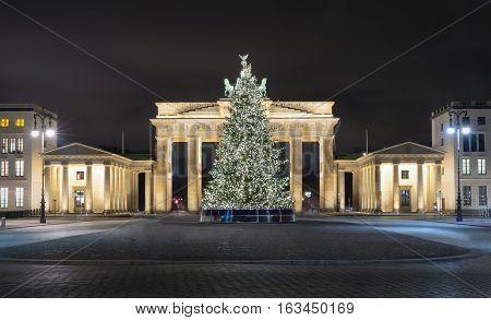 Pariser Platz and Brandenburg Gate in Berlin with Christmas tree, Germany