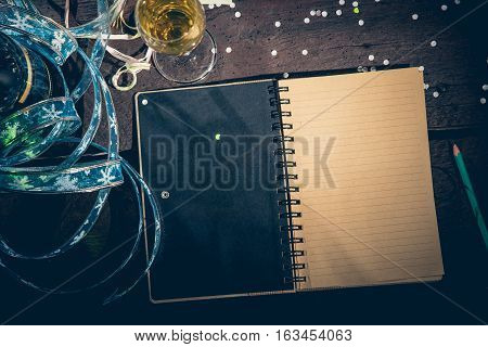 Notepad To Write New Year's Resolutions