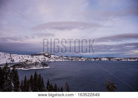 The Winter in Crater Lake/Winter Crater Lake