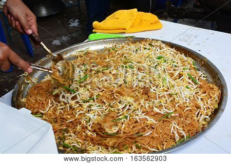 Thai Fried Noodles (Thai food Pad thai)
