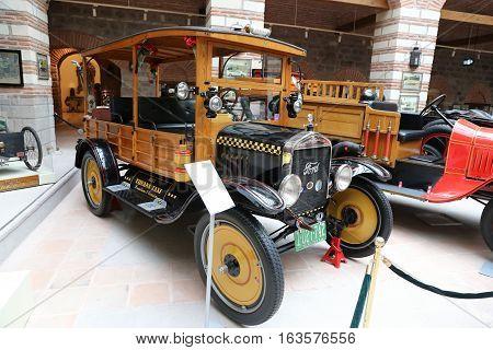 1922 Ford Car