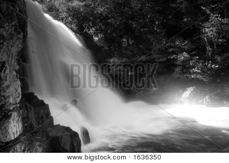 Waterfall Abrams Falls Close4