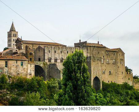 Hdr Palazzo Dei Papi In Viterbo