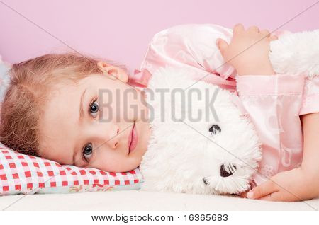 Bedtime with teddy bear ( No-name teddy bear )