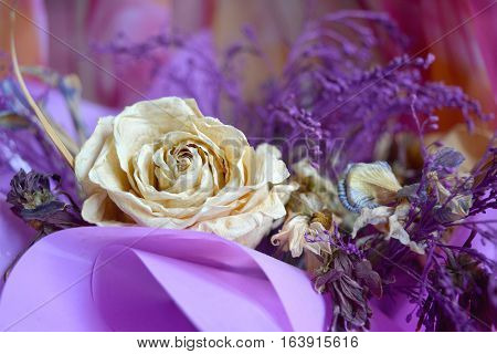 Desiccated Bouquet With Tea-rose.