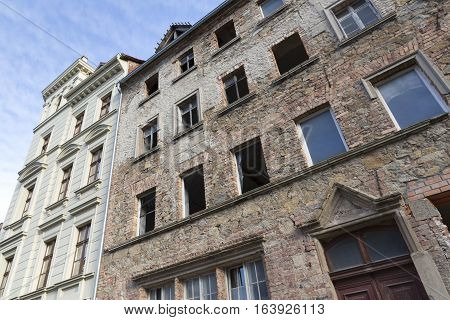 Unrenovated historic house in the town of Goerlitz, Germany