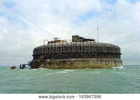 Horse Sand fort sitting in the middle of the solent