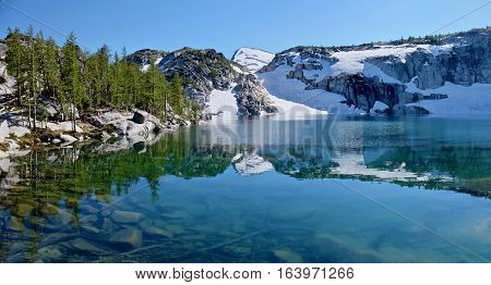 Alpine lake with clear water. Inspiration lake. Enchantment Lakes. Cascade Mountains. Leavenworth. Washington. United States.