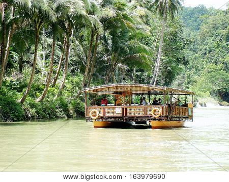 Riverboat in the Philippines - dinner cruise on Bohol Island