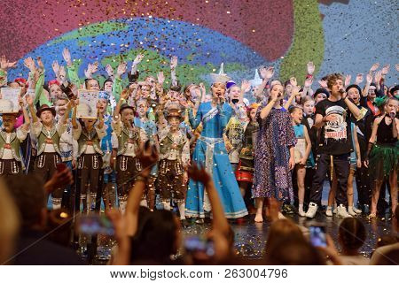 ST. PETERSBURG, RUSSIA - OCTOBER 8, 2018: Participants of the super final of International project